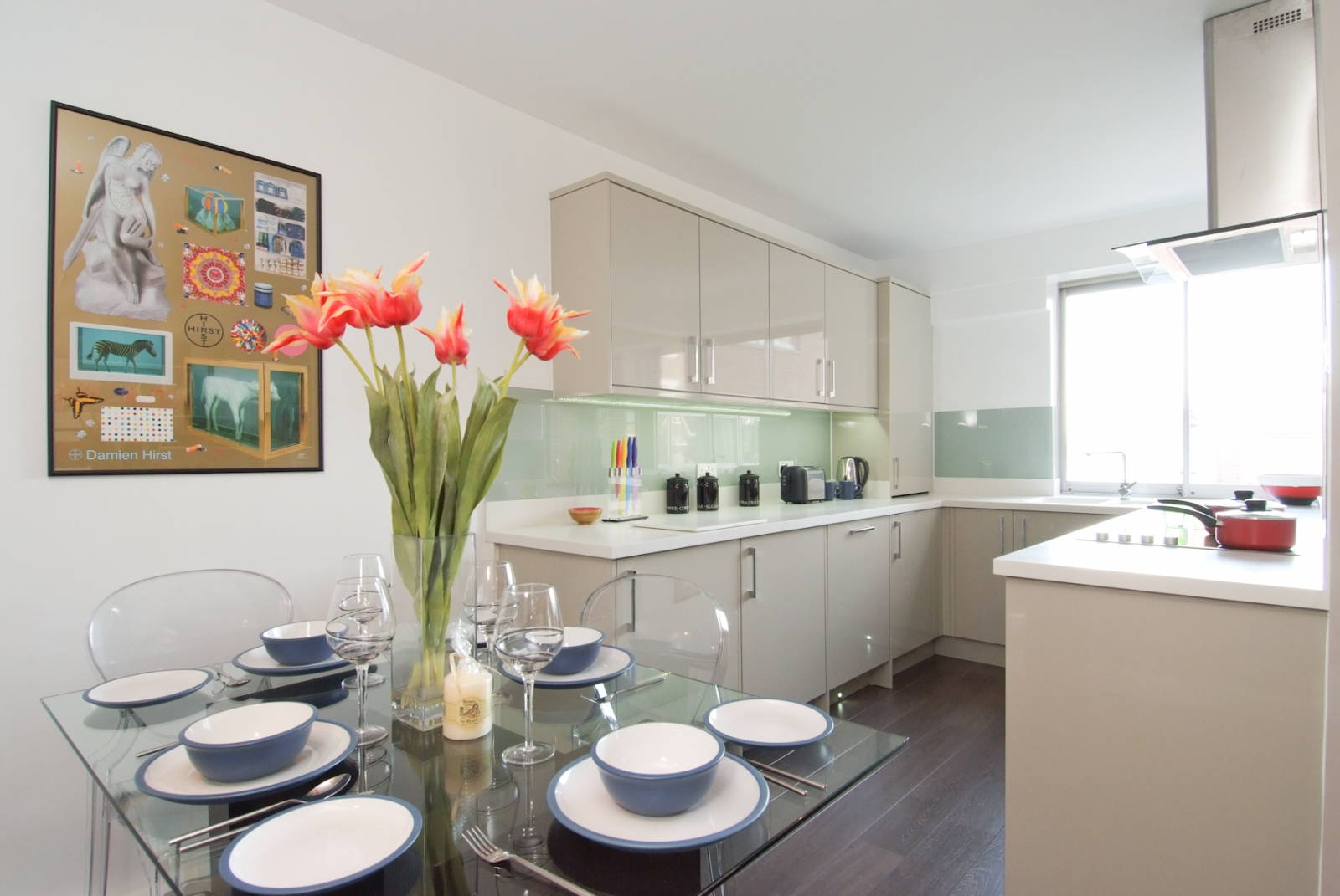 1 Bedroom Flat Kensington Heights W8