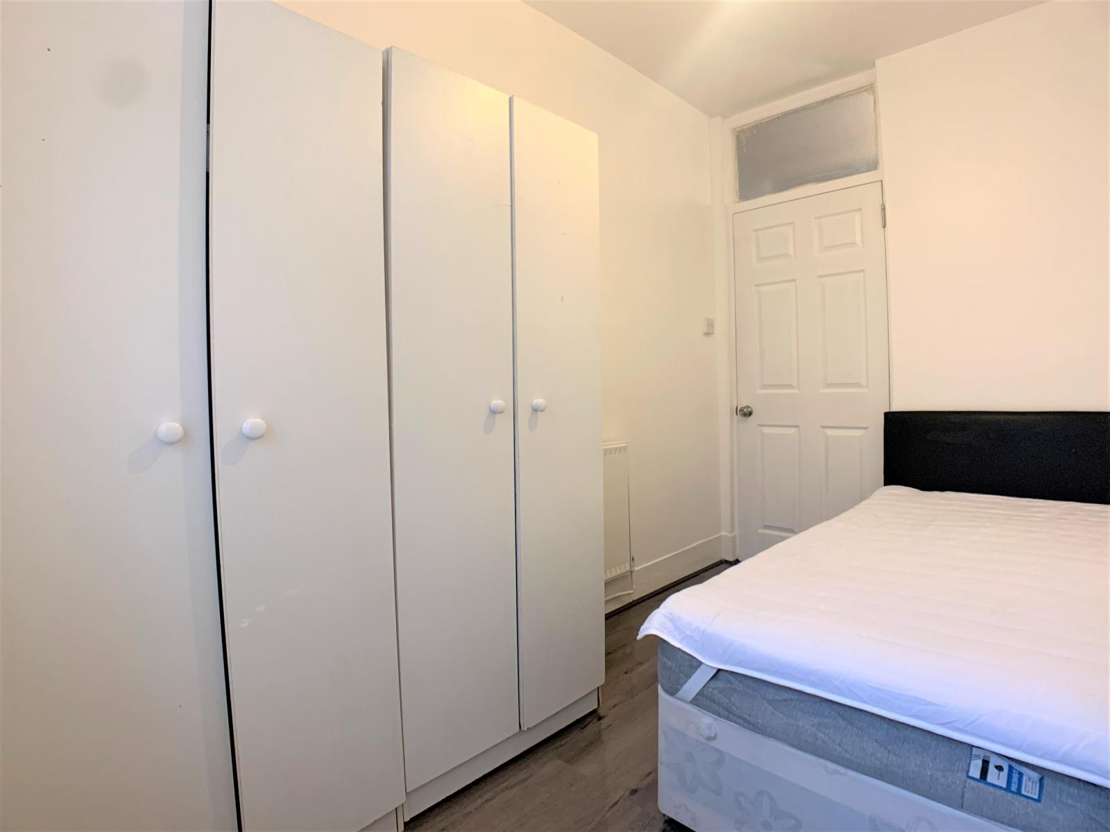 3 bedroom flat - Clapham Common