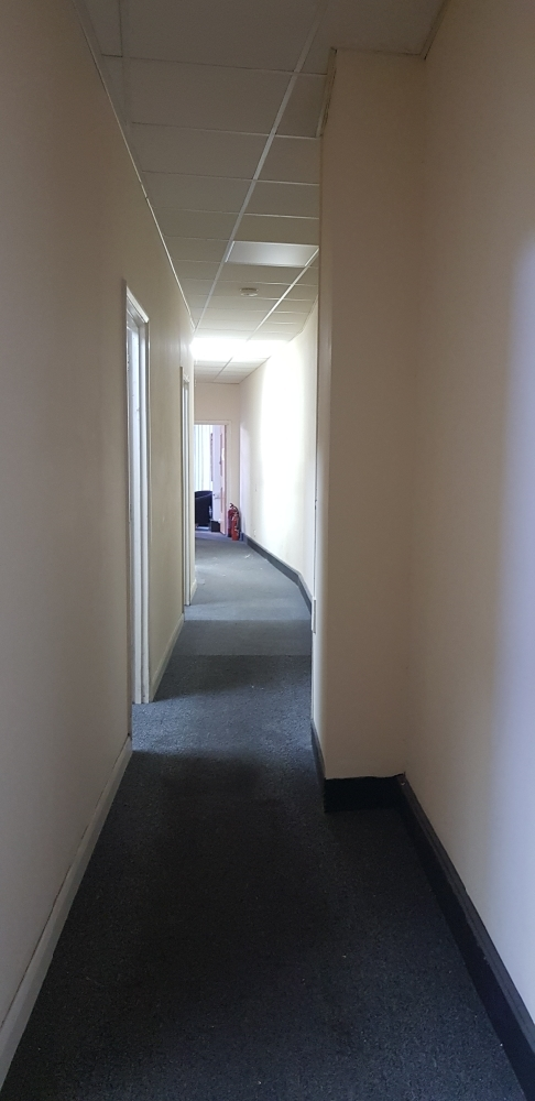 5 offices room to let in Harrow Weald