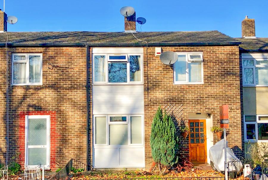 £2250- Newly refurbished 4 bedroom flat