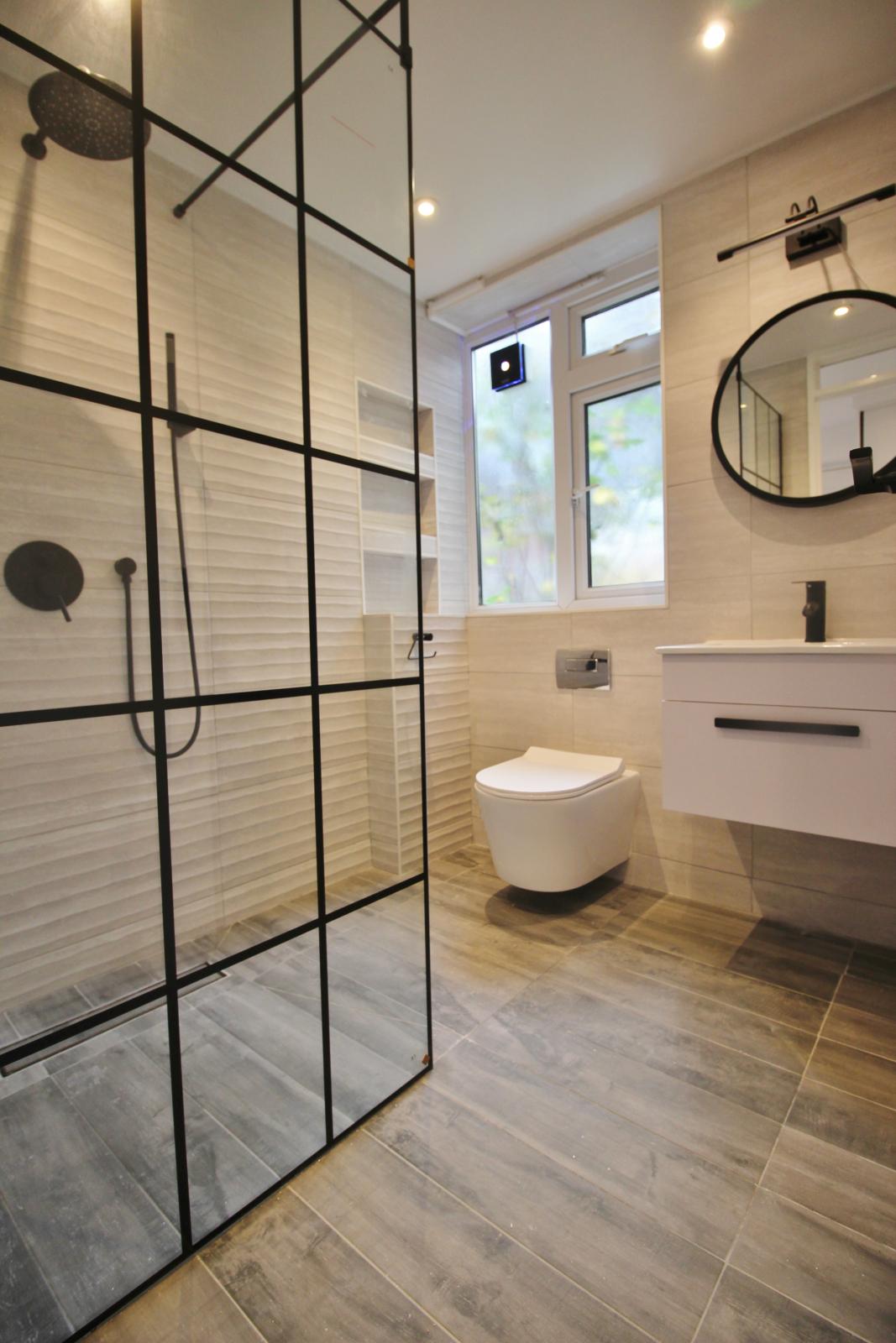 Wet Room / Shower Room